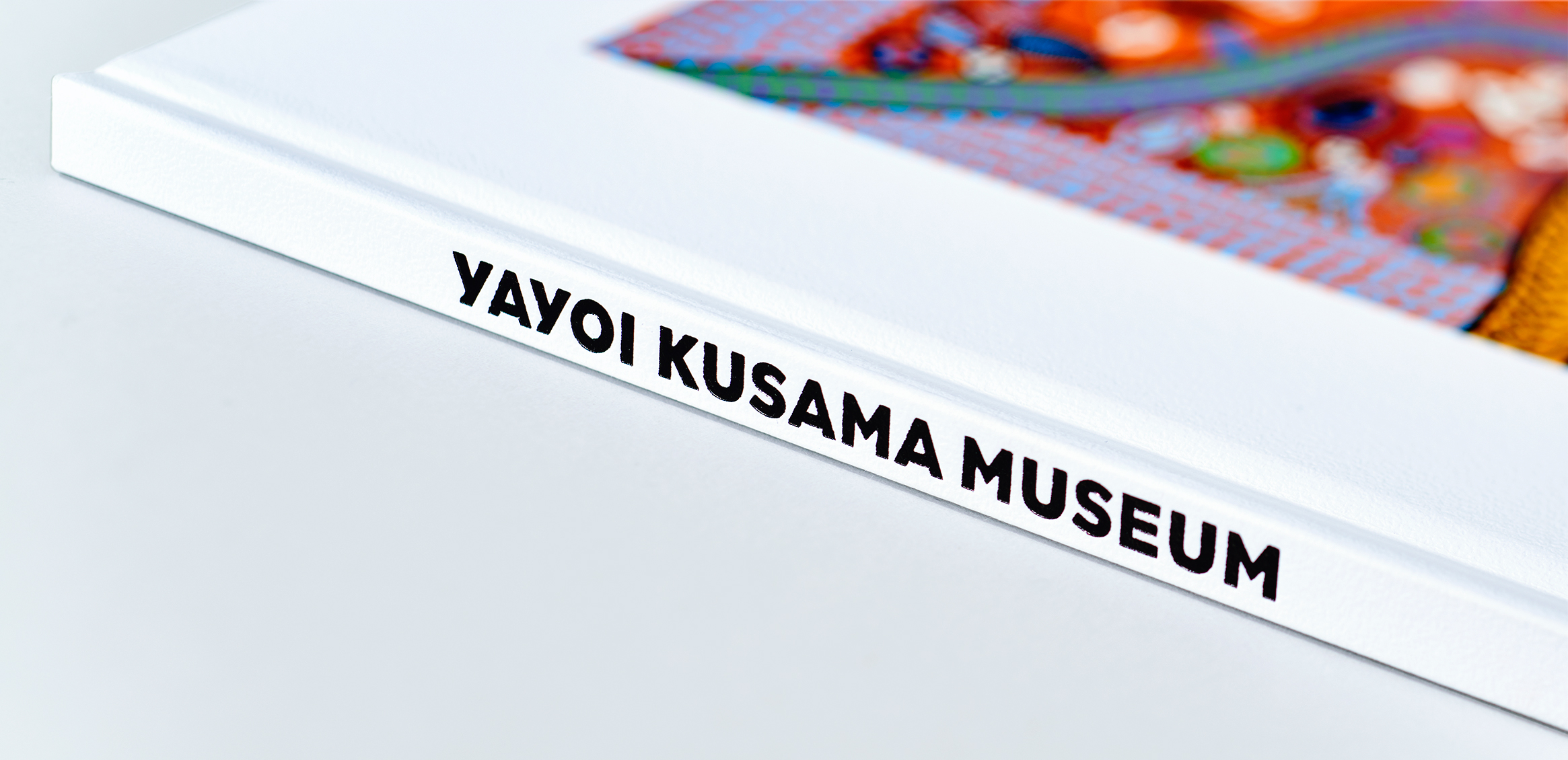 Yayoi Kusama Museum Inaugural Exhibition Commemorative Catalog2枚目