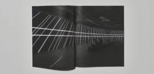 《Carsten Nicolai: Parallax》运用到展会产品目录2枚目サムネイル