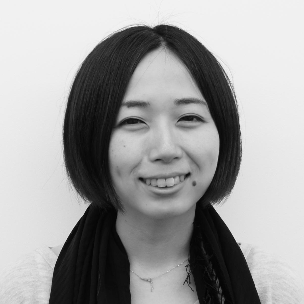 岡崎由佳:芸能人・タレント写真検索エンジン